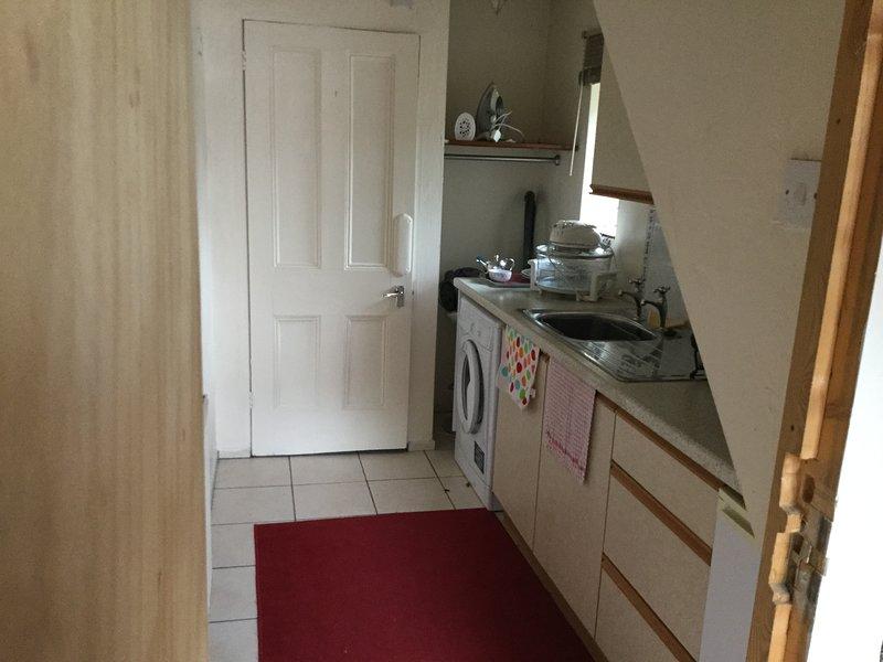 Cosy 1 Bedroom Studio, Ferienwohnung in Boughton Lees