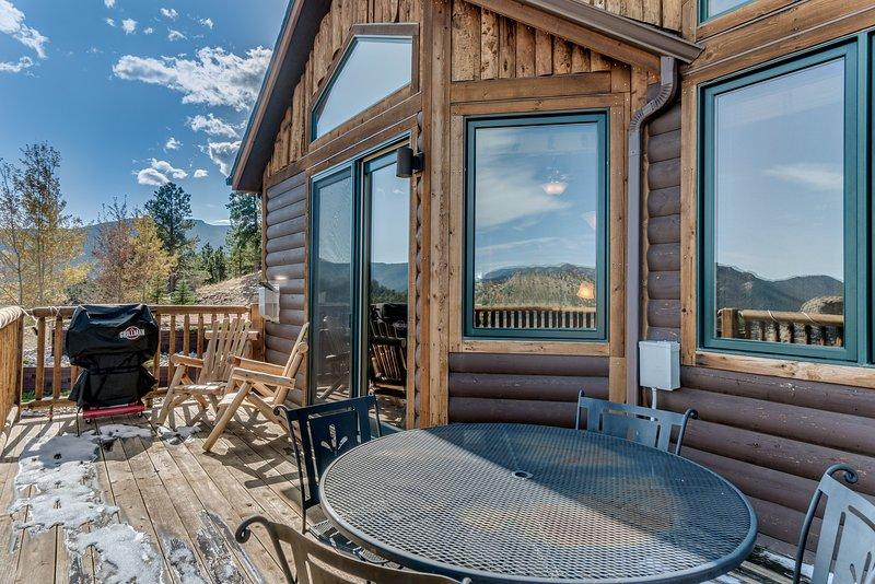 Building,Porch,House,Hardwood,Rug