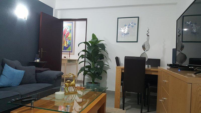 Beautiful apartment near the beach, casa vacanza a Odelouca