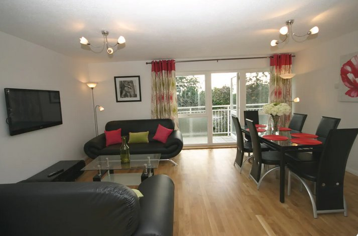 Bishops Court - Quality South Cambridge Apartment, casa vacanza a Royston
