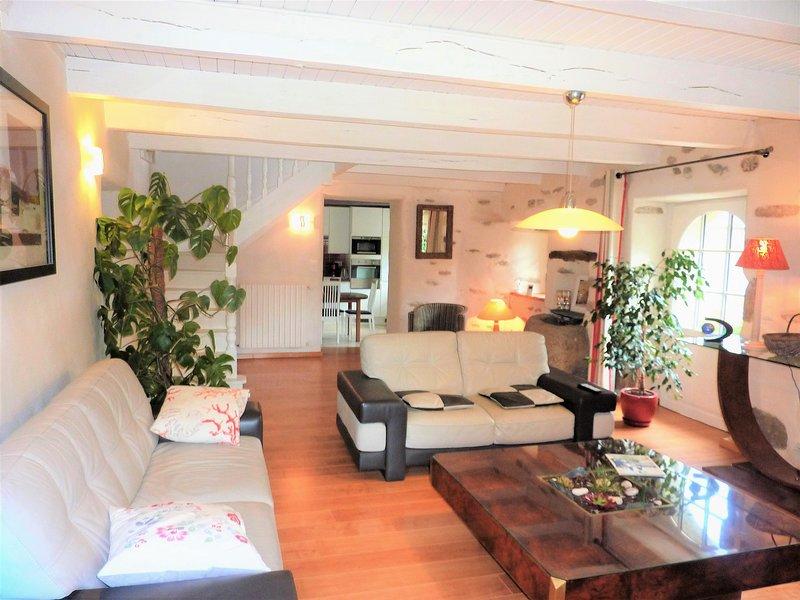 Finistère- Maison labellisée 4 épis et 'charme', dans un cadre très agréable., alquiler de vacaciones en Poullaouen