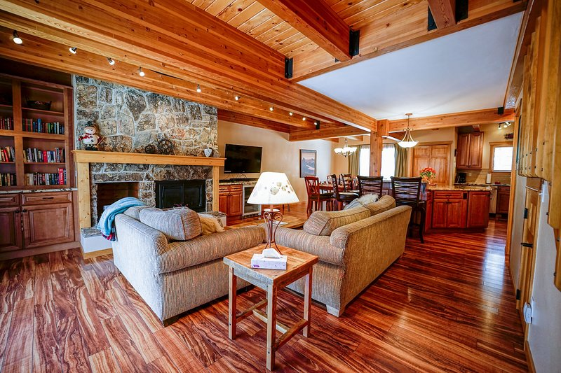 **New Unit** Waterford Townhome #10, alquiler de vacaciones en Steamboat Springs