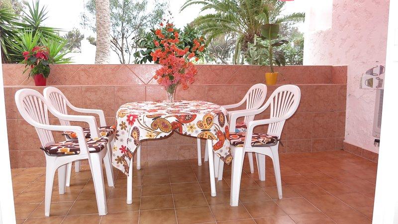 Apartment Cronos, holiday rental in Las Rosas
