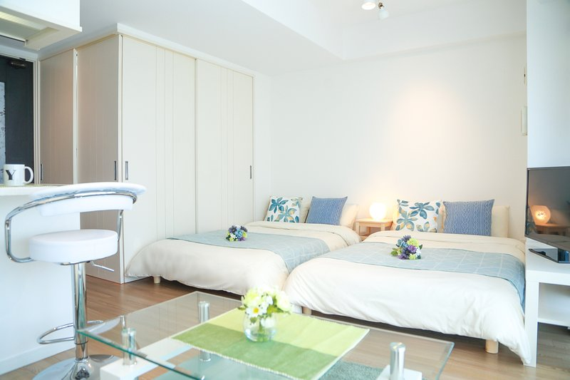 【Shinsaibashi House 14】Osaka☆ Designer's room☆Top floor☆Shisaibashi are♪, holiday rental in Dotombori