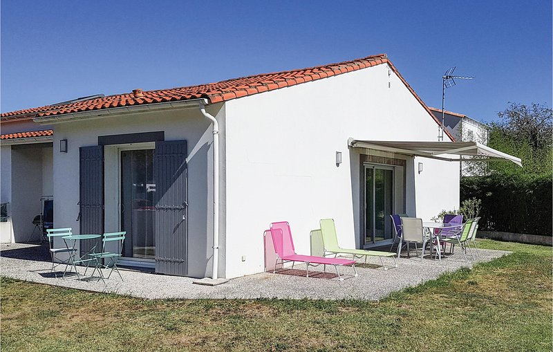 Stunning home in St. Palais sur Mer with 2 Bedrooms (FCH212), holiday rental in Saint-Augustin