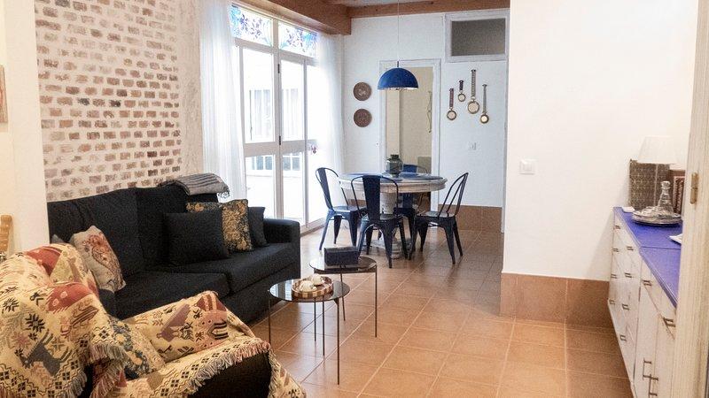 Apartamento Casa del Indiano, holiday rental in El Alcornocal