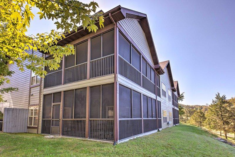Esta villa de alquiler de vacaciones se encuentra en Stonebridge Village.