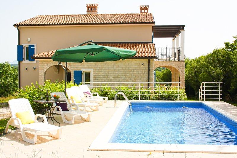 VILLA NIKA, holiday rental in Grabri