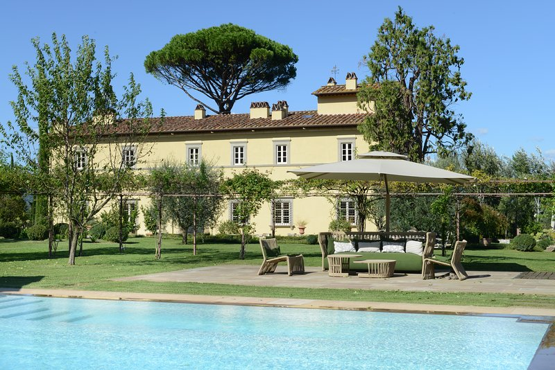 Stunning Tuscan Villa and Spa in hills near Lucca, vacation rental in Lucca