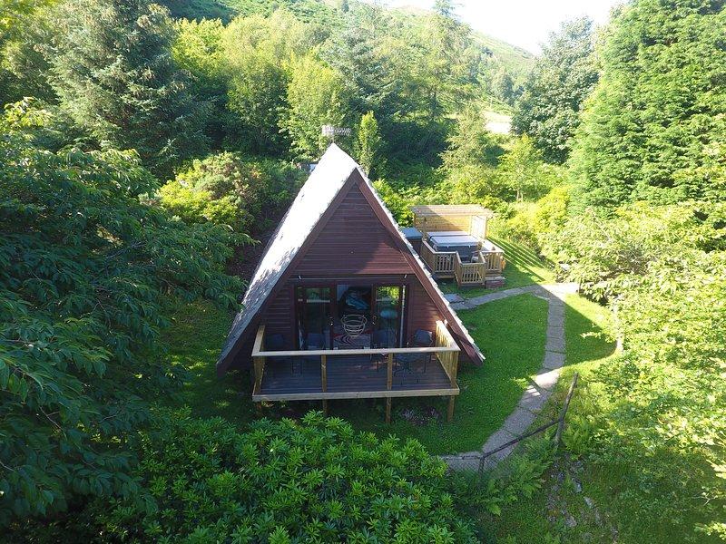 Lodge 9 Glen Garry Lodges (Hot Tub), holiday rental in Invergarry
