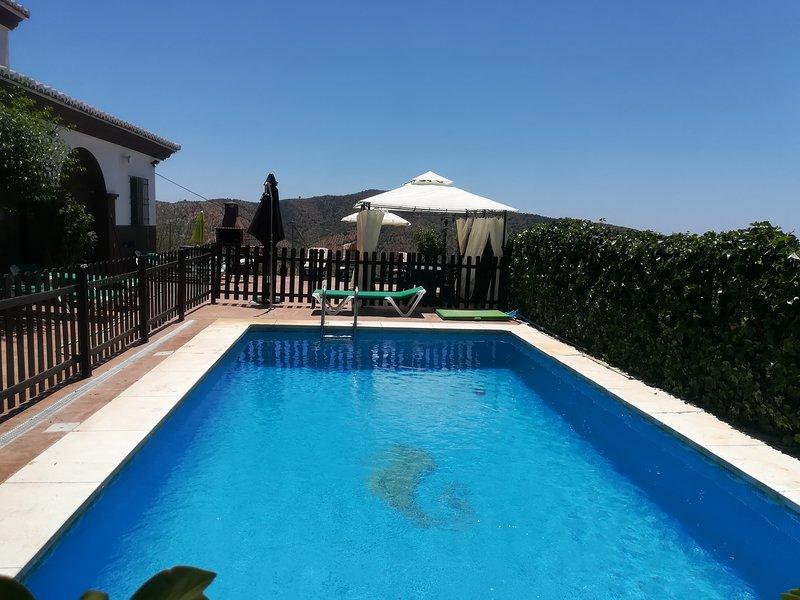 Casa Rural Los Hidalgos, vacation rental in Moclinejo