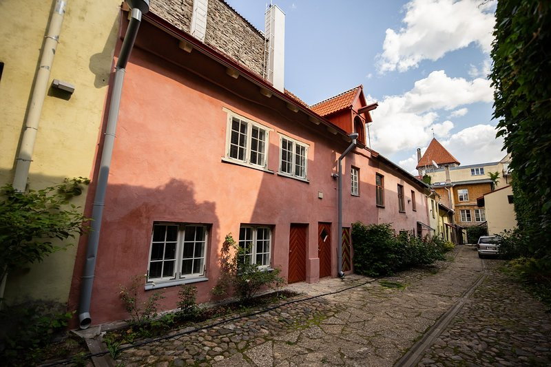 Medieval home in the heart of Tallinn's Old Town, Ferienwohnung in Tallinn