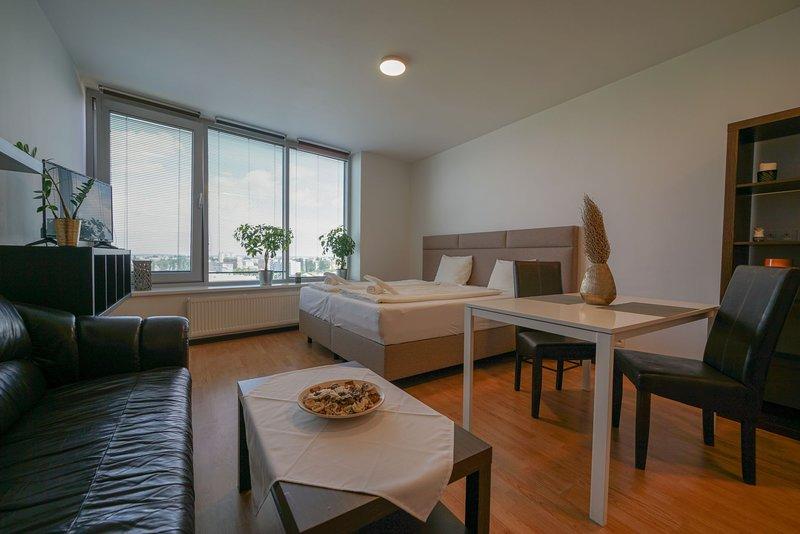 Flora Cozy Apartment by CHORS, holiday rental in Bratislava Region