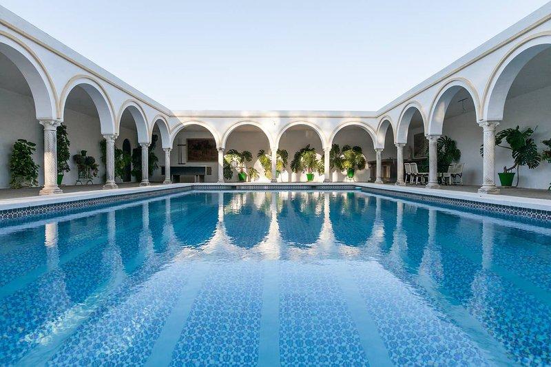 Villa del Manzano, Chalet completo con piscina a solo 15 minutos de Sevilla, alquiler de vacaciones en Sanlúcar la Mayor