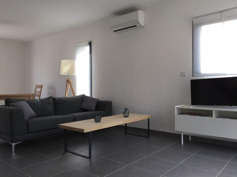 Villa les 2 amandiers, holiday rental in Villelongue-dels-Monts