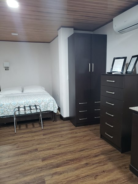 Private Studio Apartment, aluguéis de temporada em Gamboa