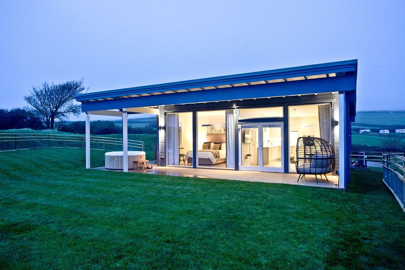Top Meadow, March End Lodges - A chic pet-friendly lodge in rural north Devon wi, vacation rental in Georgeham