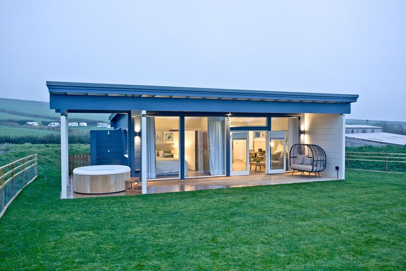 Thistledown, March End Lodges - A beautiful pet-friendly lodge near Braunton wit, vacation rental in Georgeham