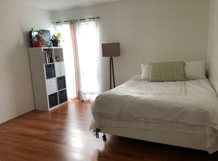 Spacious 1 Bedroom Condo, holiday rental in Roland