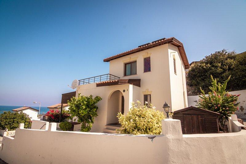 Joya Cyprus Sunset Villa, holiday rental in Tatlisu