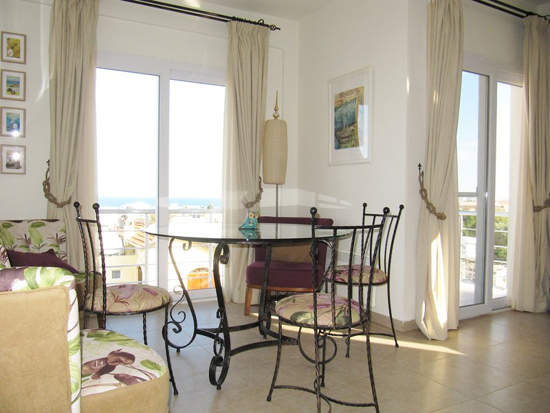 ♥ Sea View Penthouse ♥ Cyprus - BEST RATES, holiday rental in Kayalar
