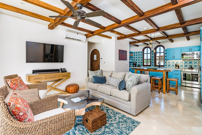 Indoor-Outdoor Top Floor 2Br Steps from the Beach, vacation rental in Las Catalinas