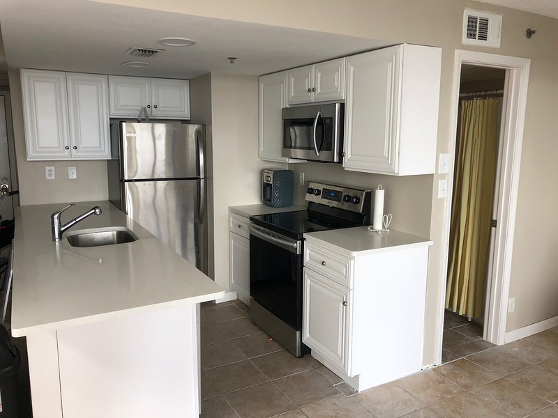 Oceanside 1 Bedroom with Pool & Spectacular Gulf View from Balcony, holiday rental in Panama City Beach