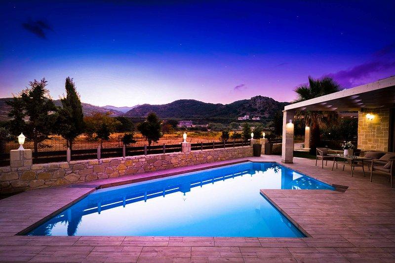 Villa Elenitsa, holiday rental in Kotsiana