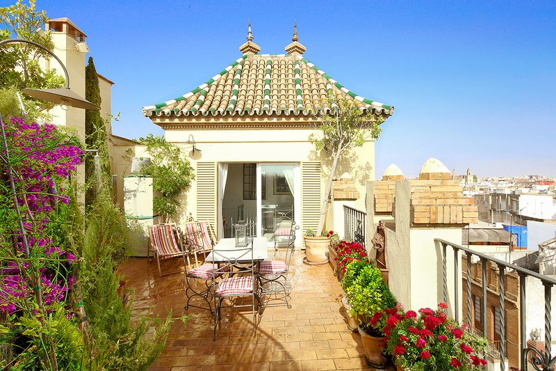 Alameda Penthouse. 2 bedrooms, 2 bathrooms, private terrace, casa vacanza a Siviglia