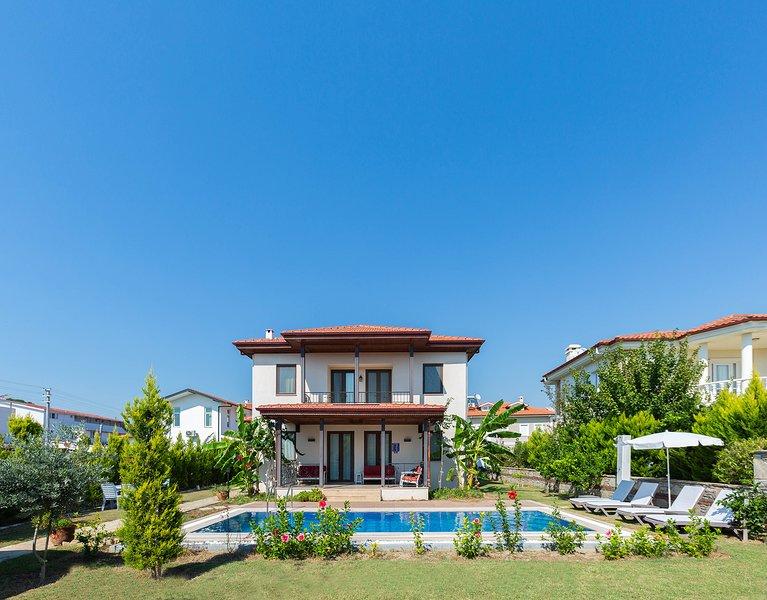 Villa Akasya - 3 bedroom detached villa with private pool and gardens, alquiler vacacional en Okcular