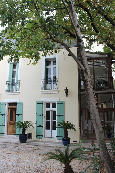 Chambres & Table D'Hôtes Urbaines - Villa Kumquats, holiday rental in Beziers