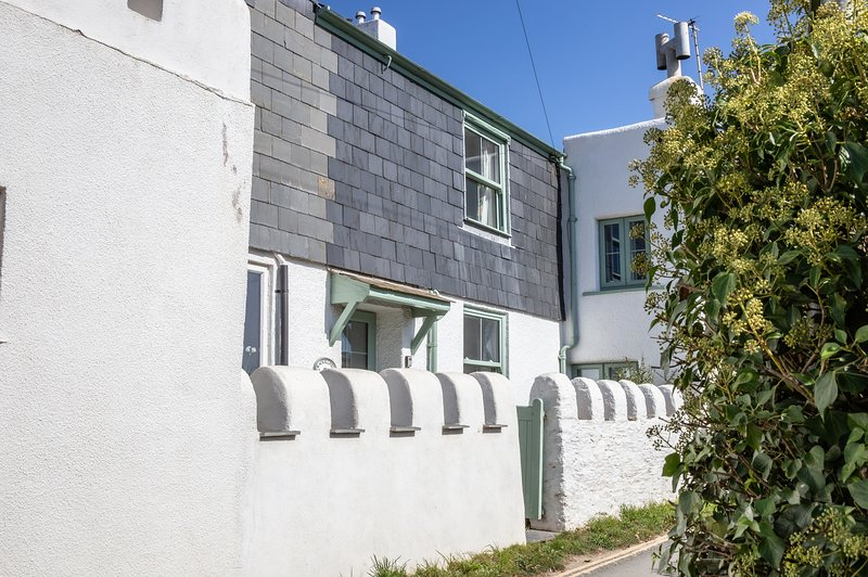 Gorgeous period property in beautiful seaside village of Bantham in South Devon, casa vacanza a Bantham