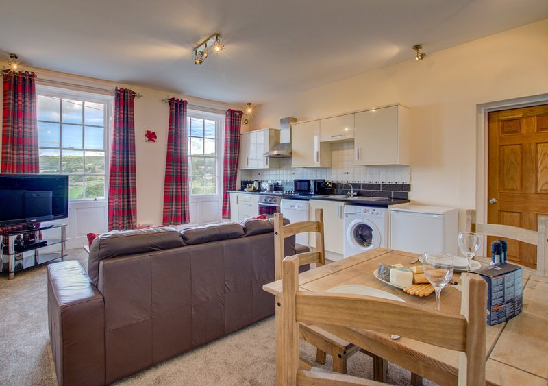 Carr View Hall Apartment 4, holiday rental in Briggswath