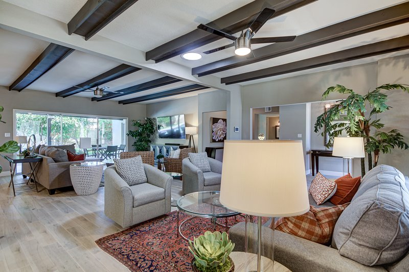 Villa Urbana-Newly listed, newly remodeled 6 bedrooms 3.5 bath in Scottsdale, casa vacanza a Paradise Valley