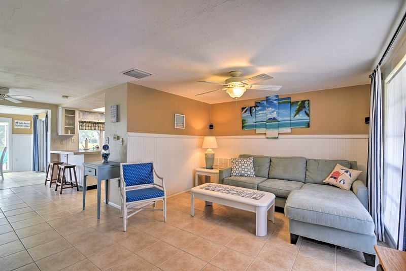 Pet-Friendly Holiday Home: Patio, Dock+Lake Access, vacation rental in Elfers