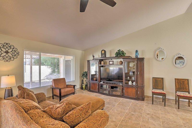 NEW! N. Tucson Home w/Patio by Catalina St. Park!, alquiler vacacional en Tortolita