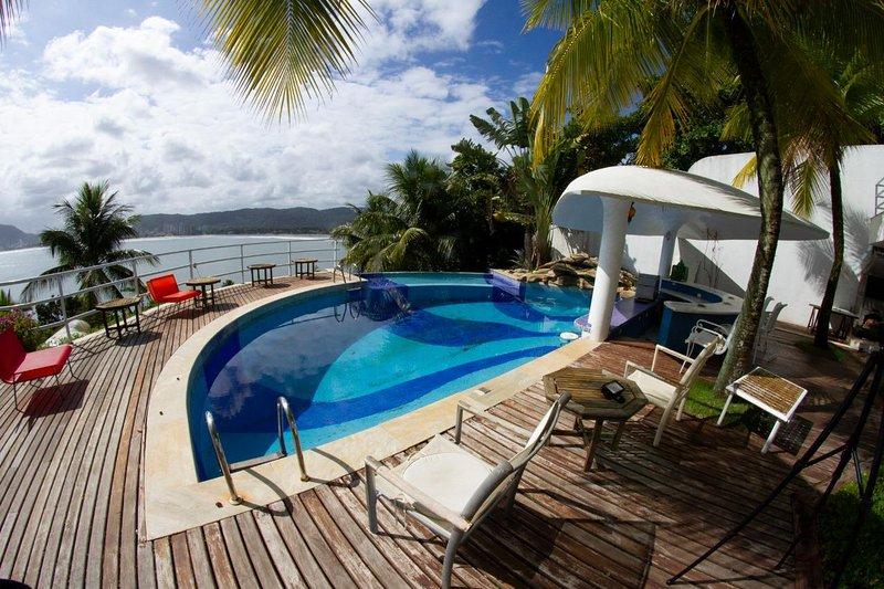 11 Suites Mansion in Guaruja - SAO006, aluguéis de temporada em Guarujá