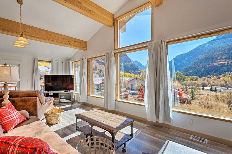 Stunning Ouray Escape w/ Panoramic Mountain Views!, location de vacances à Ouray