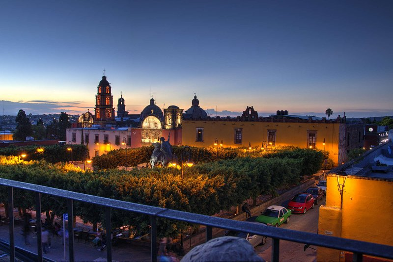 Alice's Palace, Penthouse in San Miguel de Allende, holiday rental in Guanajuato