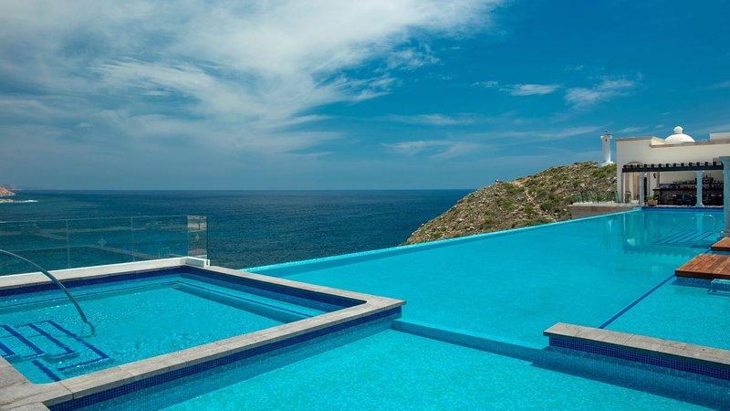 Two Bedroom Vista Suite - VISTA ENCANTADA RESORT, SPA & RESIDENCES - Breakfast, holiday rental in El Zacatal