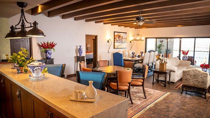 Four Bedroom Vista Penthouse Suite - VISTA ENCANTADA RESORT, SPA & RESIDENCES, holiday rental in El Zacatal