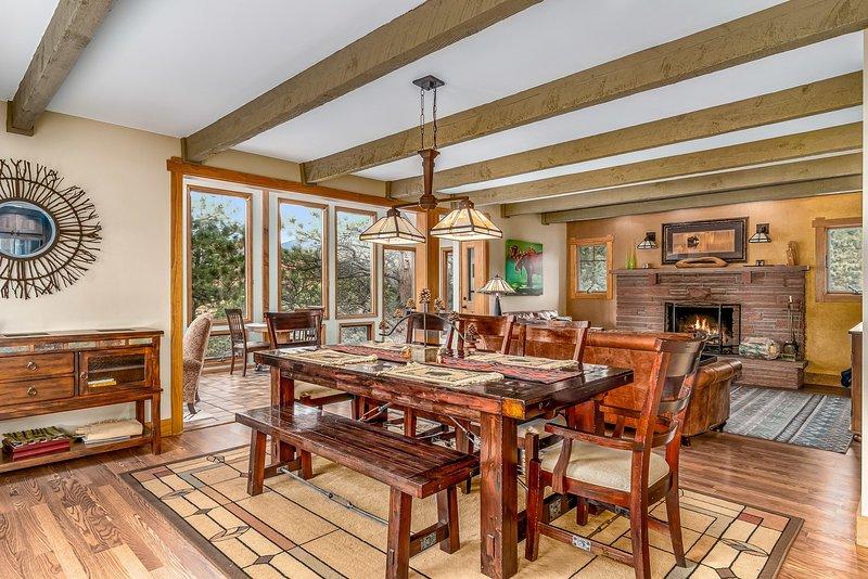 Flooring,Hardwood,Floor,Furniture,Chair
