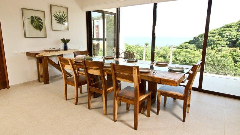Chair,Furniture,Flooring,Hardwood,Table