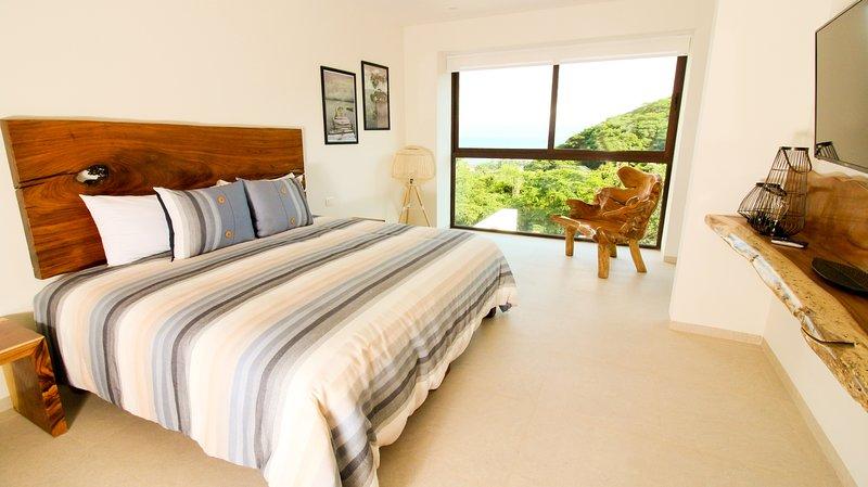 Furniture,Room,Bedroom,Indoors,Bed