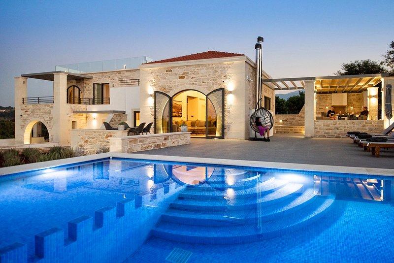 Villa Annie - Luxury Architect Designed Contemporary Villa, location de vacances à Armeni