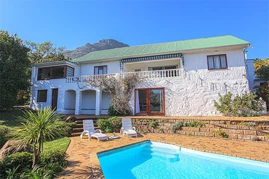 Bahari House - Ocean view 4 bedroom villa w/ pool, vacation rental in Hout Bay