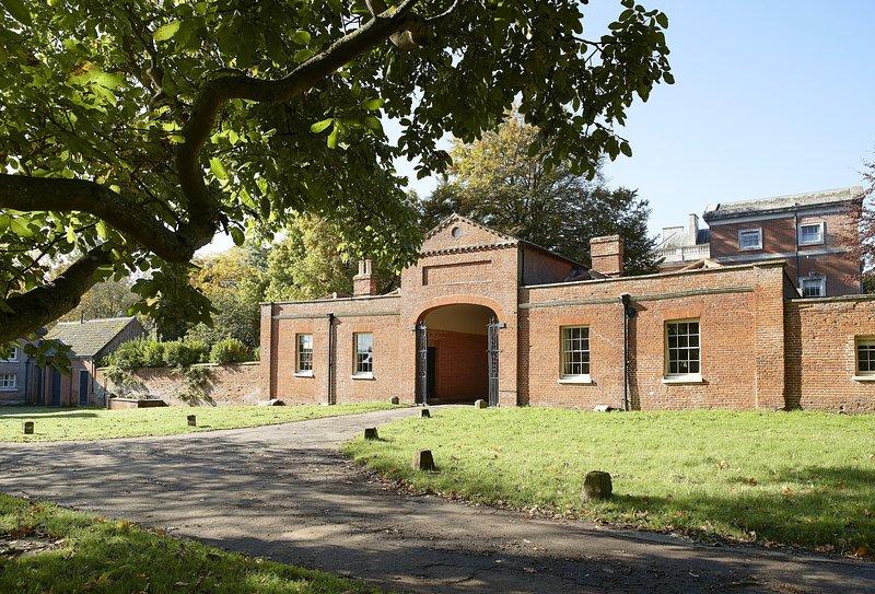 The Treasury, holiday rental in Itteringham