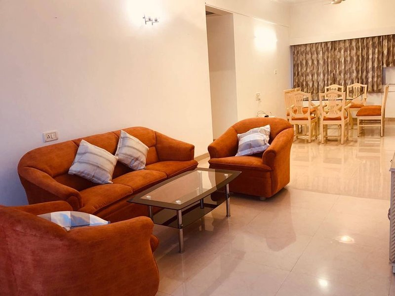 Comfortable Relaxing Stay In Bandra East, vacation rental in Ghātkopar