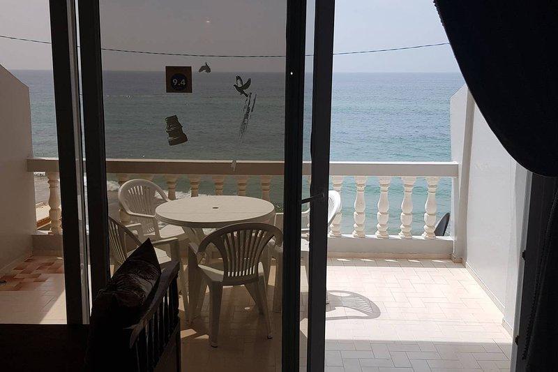 Beautiful apt with sea view & Wifi, Ferienwohnung in Imi Ouaddar