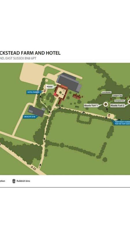Piano della fattoria, compresa la reception dell'hotel (per la raccolta delle chiavi) e la yurta 1 in cui si alloggia